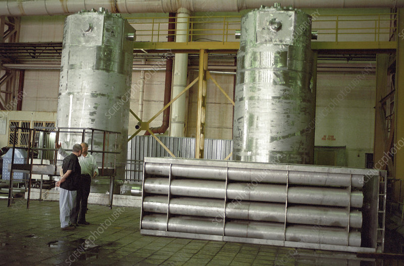Waste nuclear fuel containers