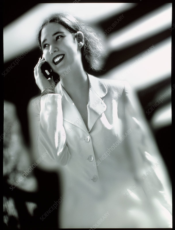 Businesswoman speaking on a mobile telephone