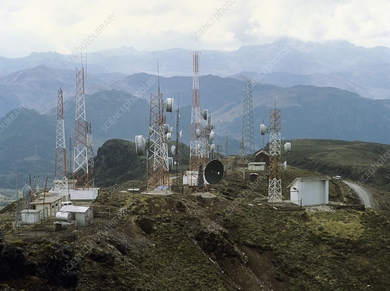 Telecommunications relay station