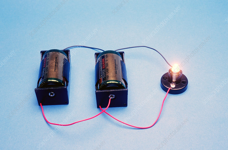 Two batteries in parallel with one lamp