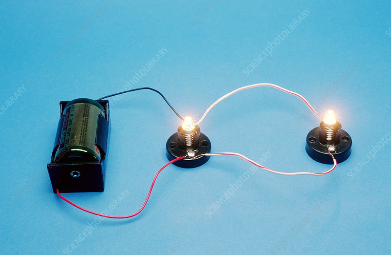 Battery and lamps show parallel circuit