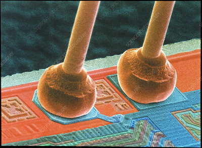 SEM of integrated circuit micro-wires.