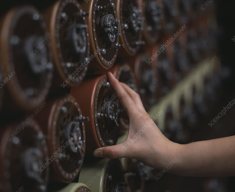 Bombe decryption machine