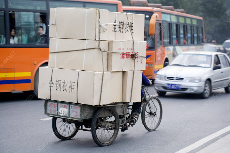 Tricycle carrying load