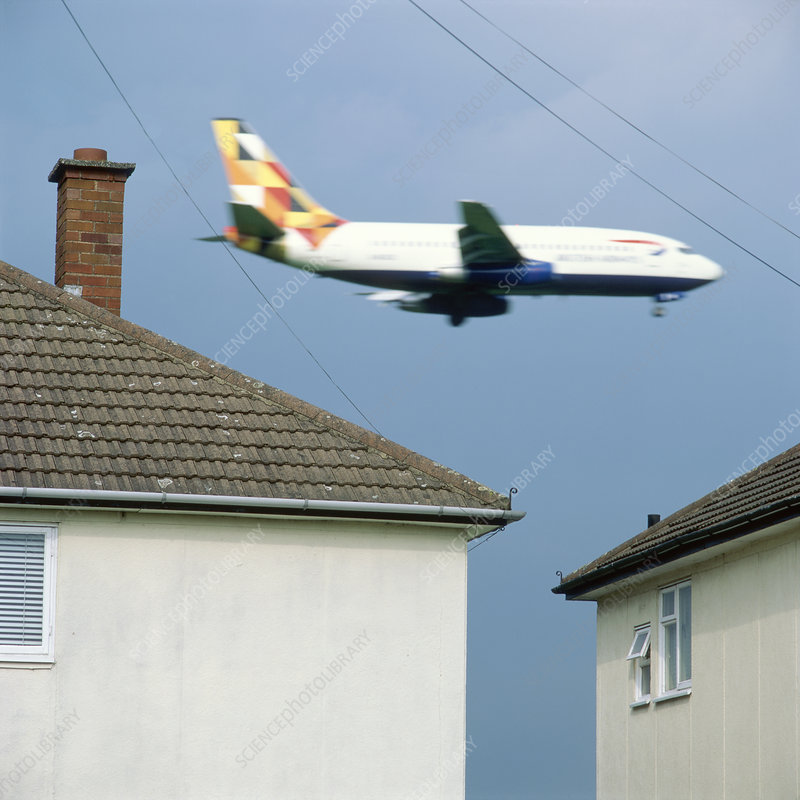 Low flying aeroplane