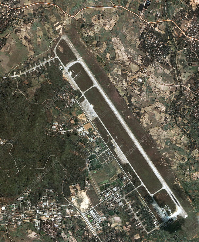 Chinese military airbase, Lingshui