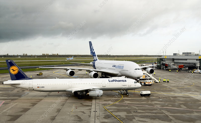 Airbus A380 and A321 aircraft