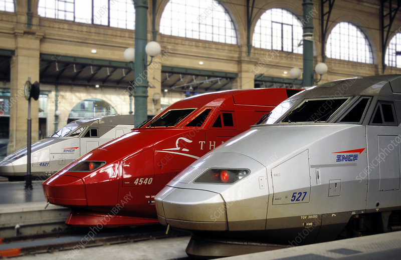 Trains at gare du nord