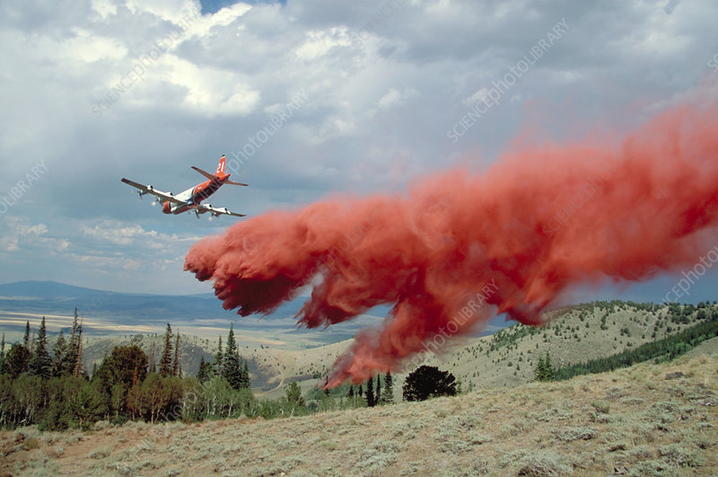 Aircraft releases fire retardant