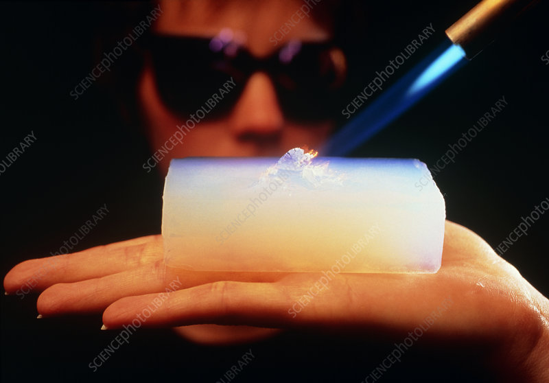 Aerogel- demonstration of insulation