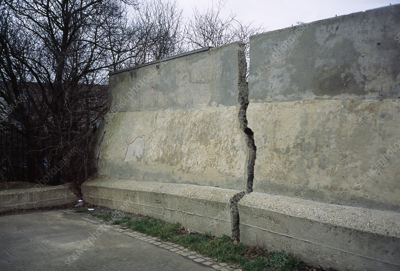Cracked wall due to subsidence