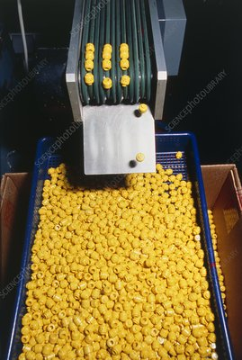 Manufacture of Lego toy heads