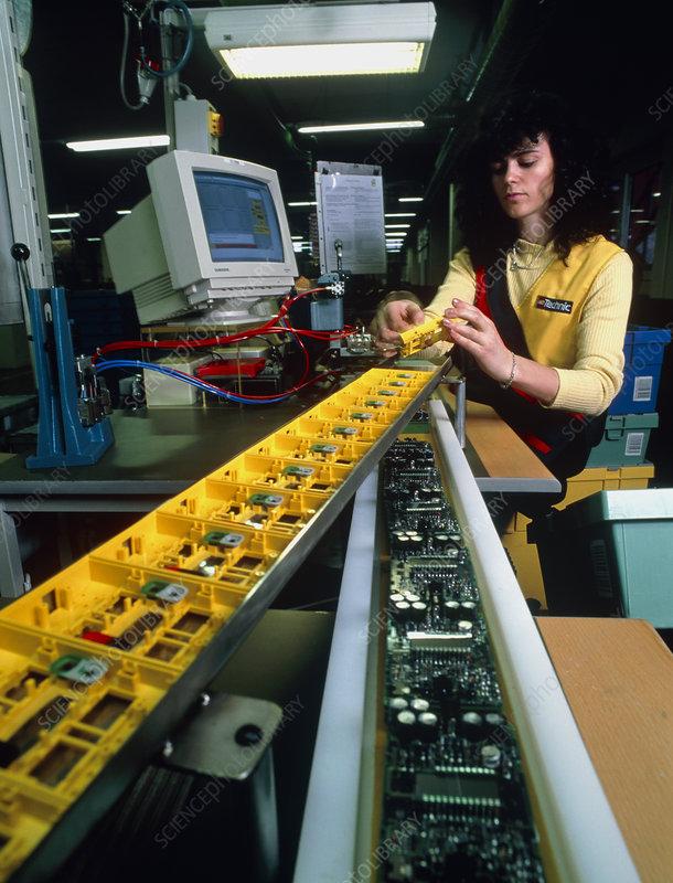 Mindstorm programmable Lego brick manufacture
