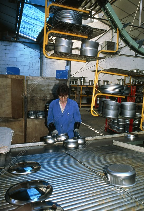 Saucepan manufacture