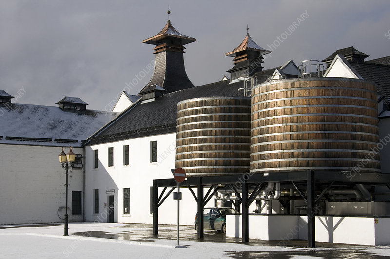 Dalwhinnie whisky distillery