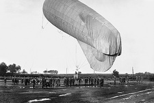 First World War kite balloon launch